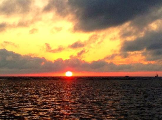 Barefoot Cay: sunrise