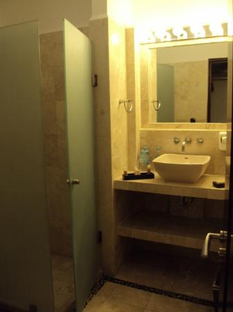 Hacienda Paradise Boutique Hotel by Xperience Hotels: Nice bathroom
