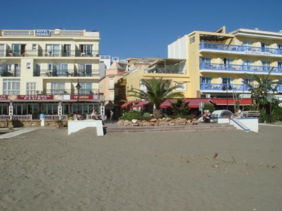 Hotel Roc Lago Rojo: Roc lago from the beach.