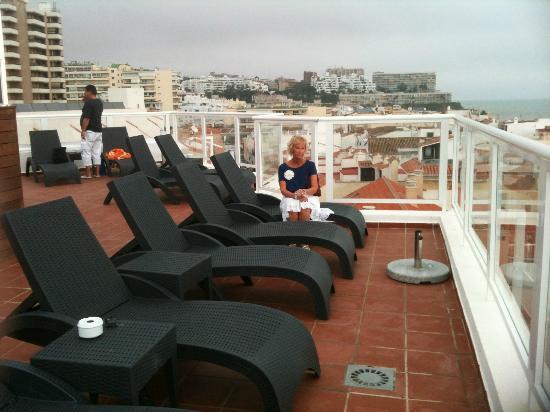 Hotel Roc Lago Rojo: Rooftop sun terrace