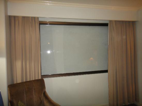 The Bellavista Hotel: 窓がふさがれています
