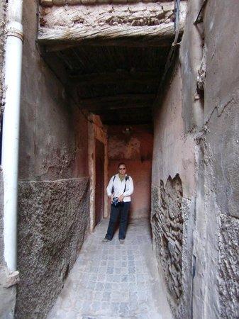 Riad Marana: passaggio per il vicolo