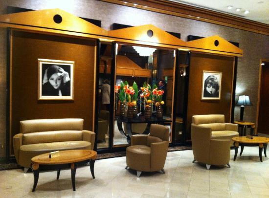 هوتل مترو: Reception of The Metro Hotel 