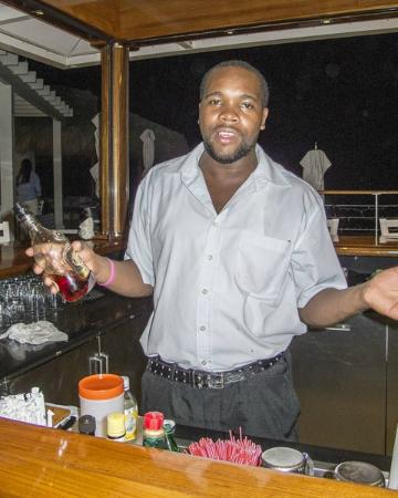 YCCS - Yacht Club Costa Smeralda: Handsome Zane, Bartender
