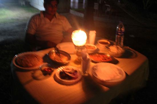 Ananda Beach Home: Candle Light Dinner