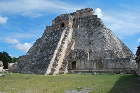 Miti e leggende Temples-of-uxmal