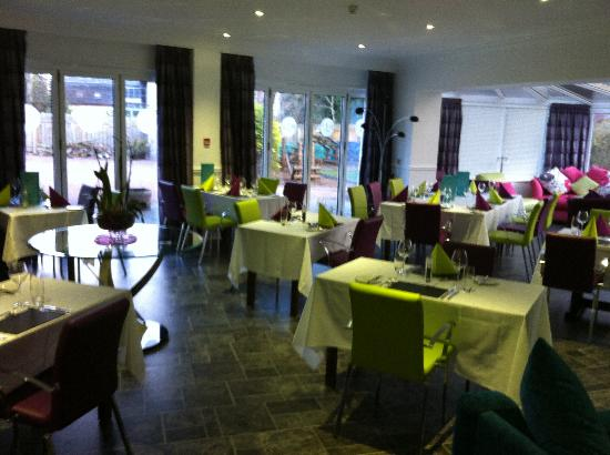 The Clubhouse Hotel: Beautifully appointed dining room