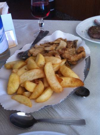 Ristorante Il Palazzo: contorno di patate e funghi porcini fritti