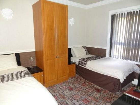 Viewpoint Guest House: TWIN ROOM EN SUITE
