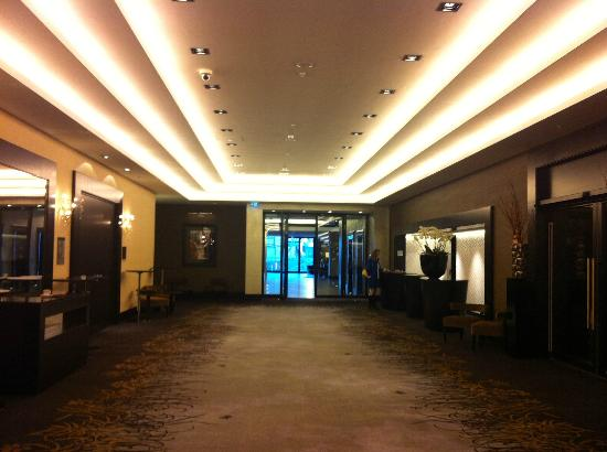 Hyatt Regency Dusseldorf: Conference lobby