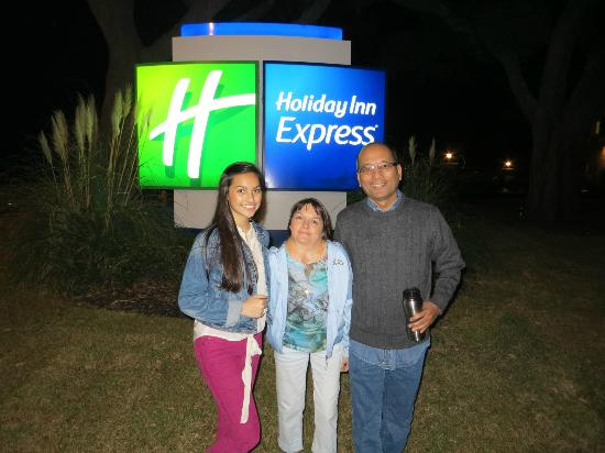 Holiday Inn Express Long Beach: At the road sign