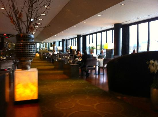 Hyatt Regency Dusseldorf: Dining area