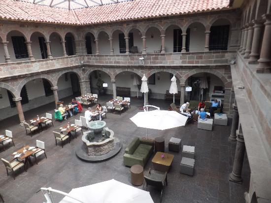 Novotel Cusco: Interior courtyard