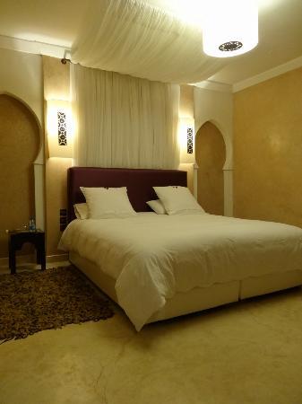 Riad Pourpre Medina: chambre du haut