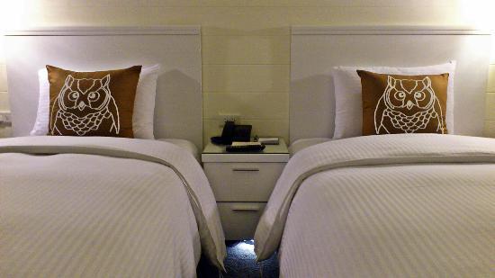 Via Hotel: Twin Room
