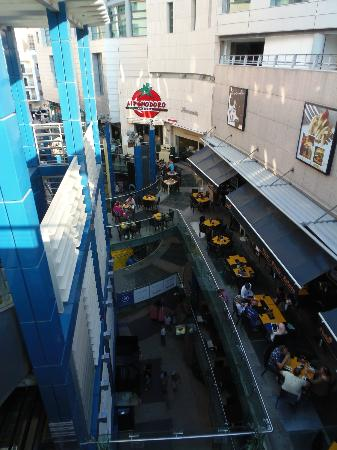 Paceville : Inside the mall