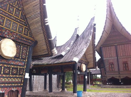Bukittinggi, Indonesien: these are the door bells