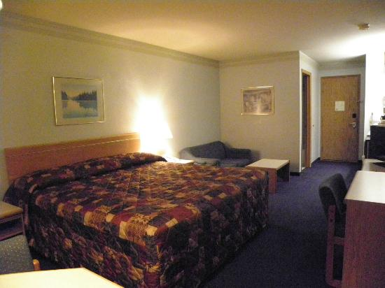 Econo Lodge Sequim: King room