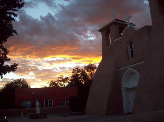 Ranchos Plaza Grill: Same at night