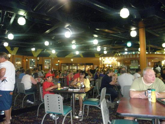 Disney's All-Star Movies Resort: comedor