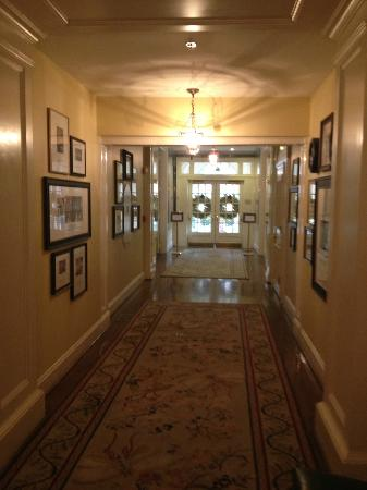 The Carolina Inn: One of the grand hallways on the first floor.