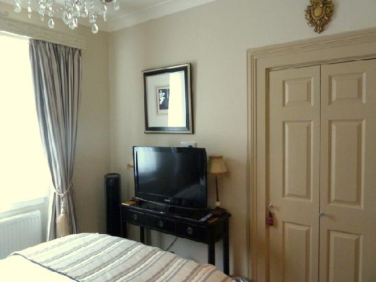 The Somerville: Room 7 Torwood Suite