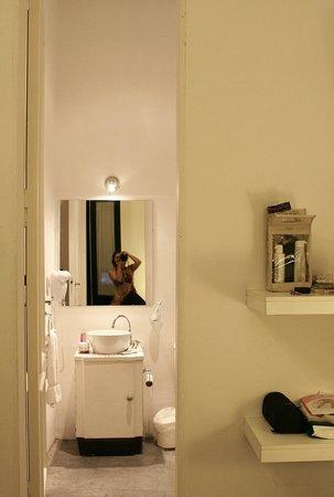 06 Soho Suites: incrivel a altura das porta nessa suite