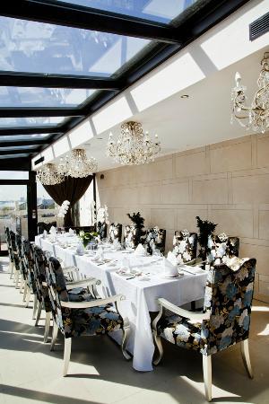 Huatian Chinagora Hotel : Salle de restauration privative avec accés terasse- cannes