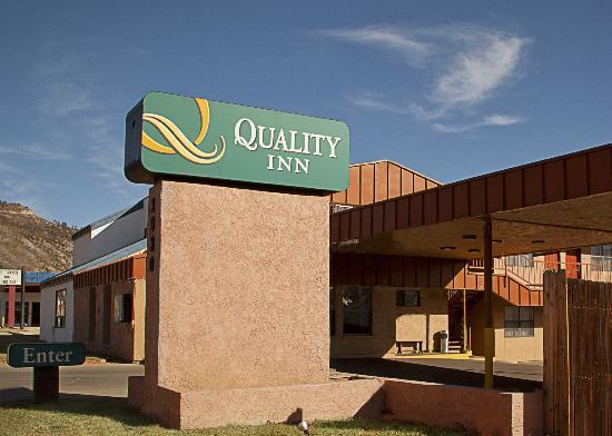 Quality Inn Durango : Exterior Sign
