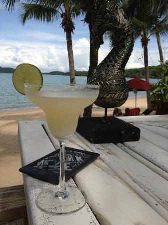 The Village Coconut Island Beach Resort: Drinks!