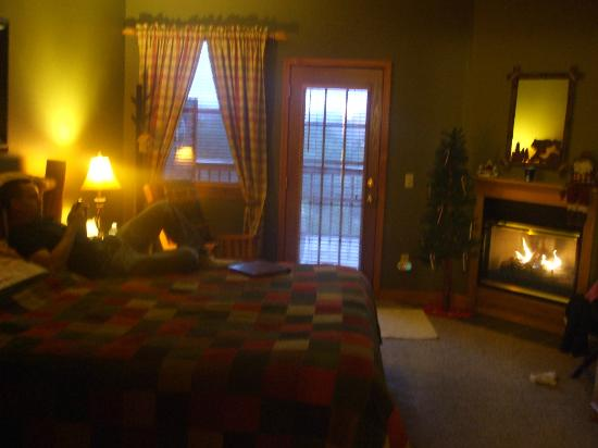 Berry Springs Lodge: just a glimpse of our room