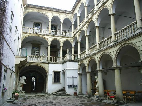 Leópolis, Ucrania: Inside