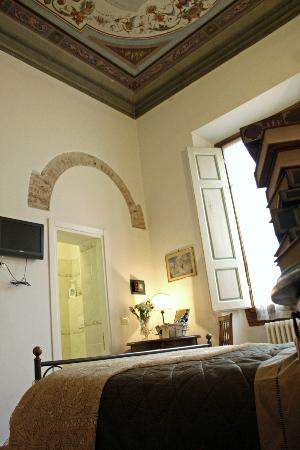 Residenza Millenium: Frecsoed ceilings