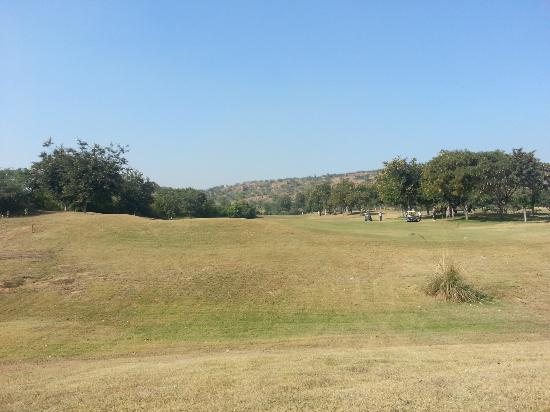 Classic Golf Resort : Hills in background
