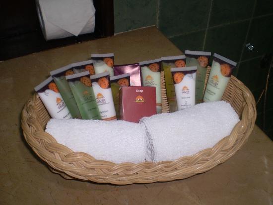 Randholee Resort & Spa: Produits dans la salle de bain