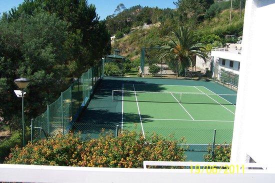 Estalagem Lago Azul: corte de ténis