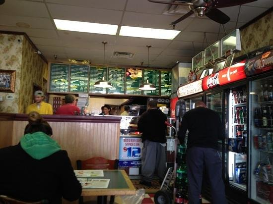 Brother Bruno's Pizza: inside