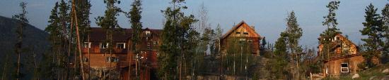 Shadowcliff Lodge: Rustic beauty