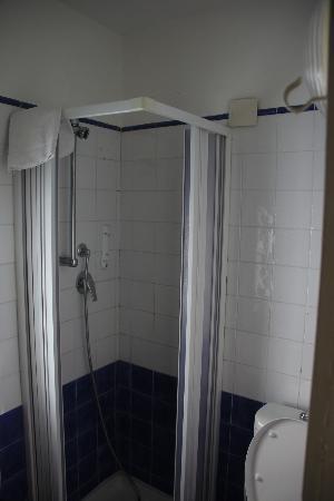 B&B Sorriso: Bathroom