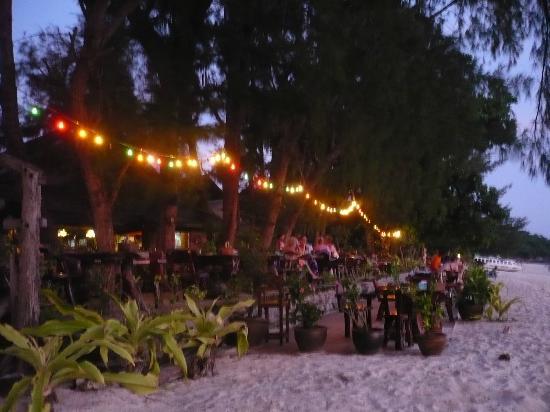 Phi Phi Paradise Pearl Resort: cena al tramonto