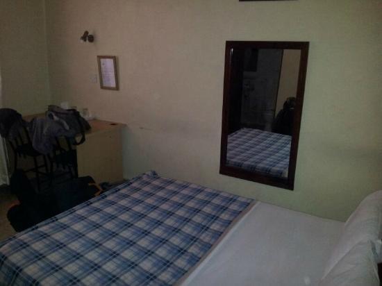 Transit Motel Ukonga: Bed