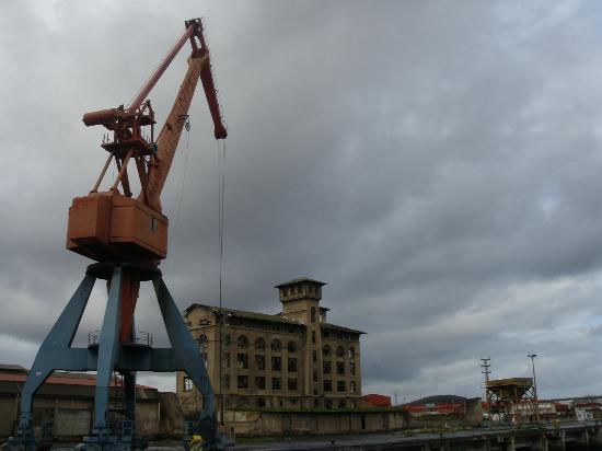 Bilboats: Gruas del Puerto de bilbao