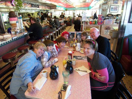 Rosie's Diner: Family at breakfast!