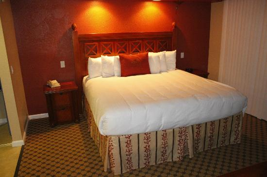 Westgate Towers Resort: main bedroom (king size)