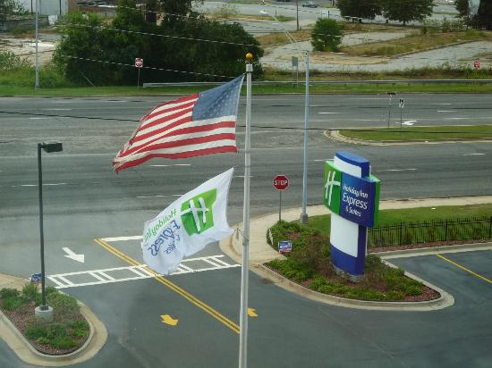 Holiday Inn Express Hotel & Suites Columbus - Fort Benning: View from front room window