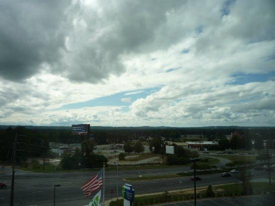 Holiday Inn Express Hotel & Suites Columbus - Fort Benning: Sky view from front room window