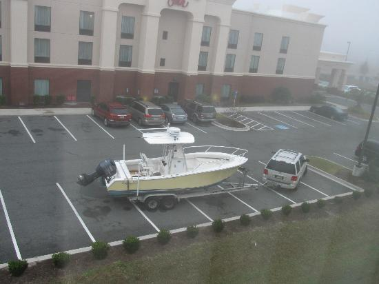 La Quinta Inn & Suites Kingsland/Kings Bay Naval B: Someone parked their boat in the rear parking lot
