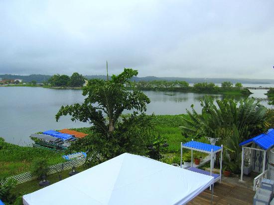 Hotel Casona del Lago: Overlooking Flores islet