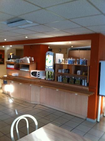 Premiere Classe Le Blanc Mesnil: Buffet Petit dejeuner