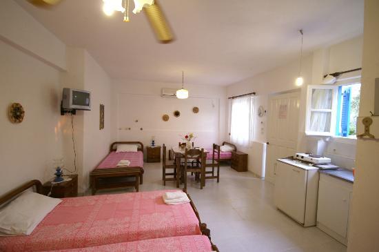 Remvi Studios: interior 4p-studio in Remvi